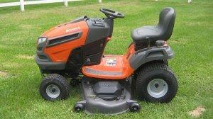 picture of husqvarna yard tractor